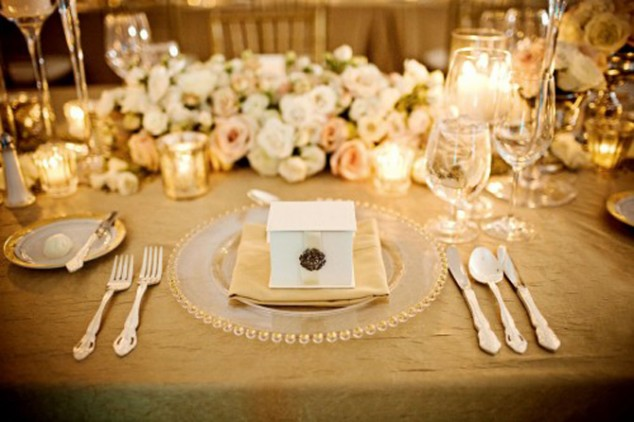 Wedding-Table-Arrangements-1-634x422