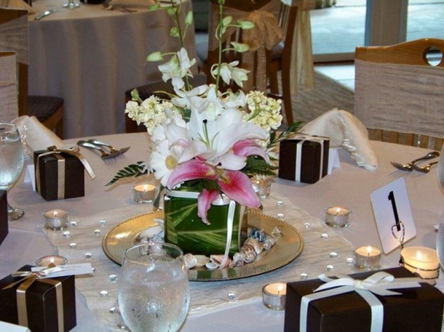 Wedding-Table-Arrangements-19-634x475