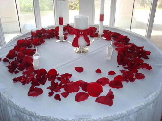 Wedding-Table-Arrangements-25-634x475