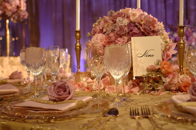Wedding-Table-Arrangements-3-634x421
