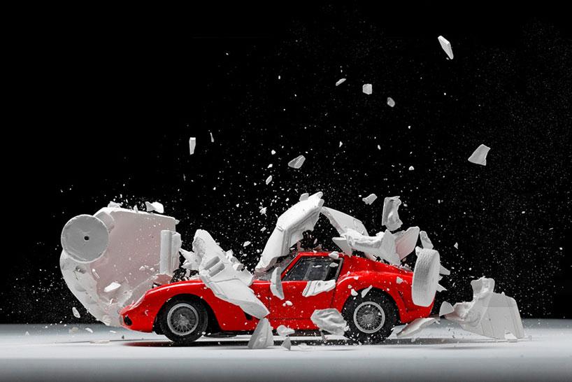 fabian-oefner-explodes-views-of-classic-sports-cars-helloodesigner2