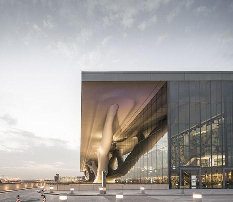 helloodesigner_Qatar-National-Convention-Centre-by-Arata-Isozaki_2
