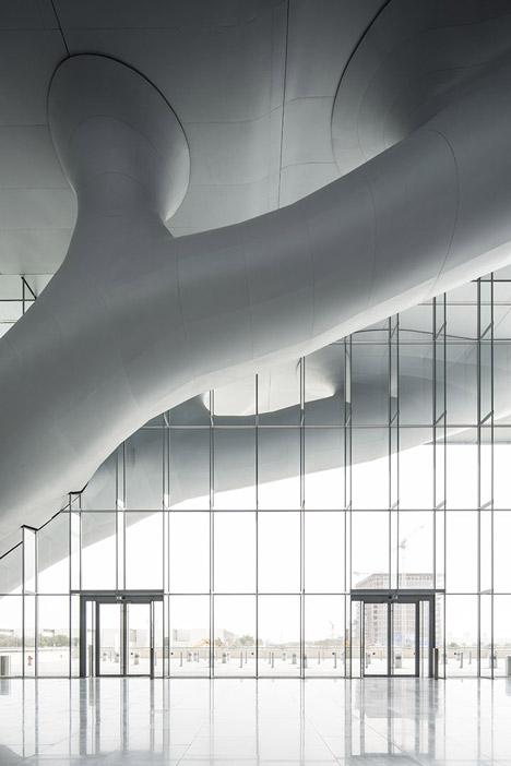 helloodesigner_Qatar-National-Convention-Centre-by-Arata-Isozaki_5