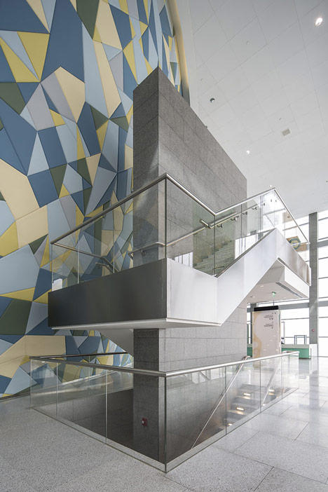 helloodesigner_Qatar-National-Convention-Centre-by-Arata-Isozaki_6