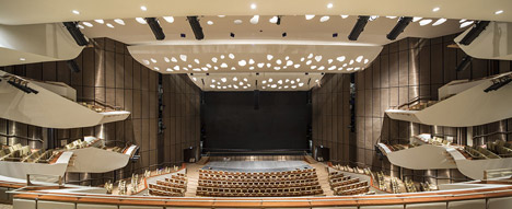 helloodesigner_Qatar-National-Convention-Centre-by-Arata-Isozaki_9