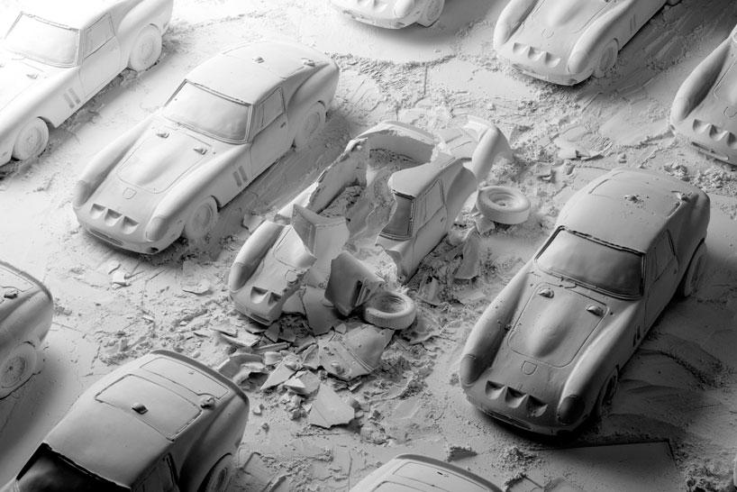 fabian-oefner-explodes-views-of-classic-sports-cars-helloodesigner4