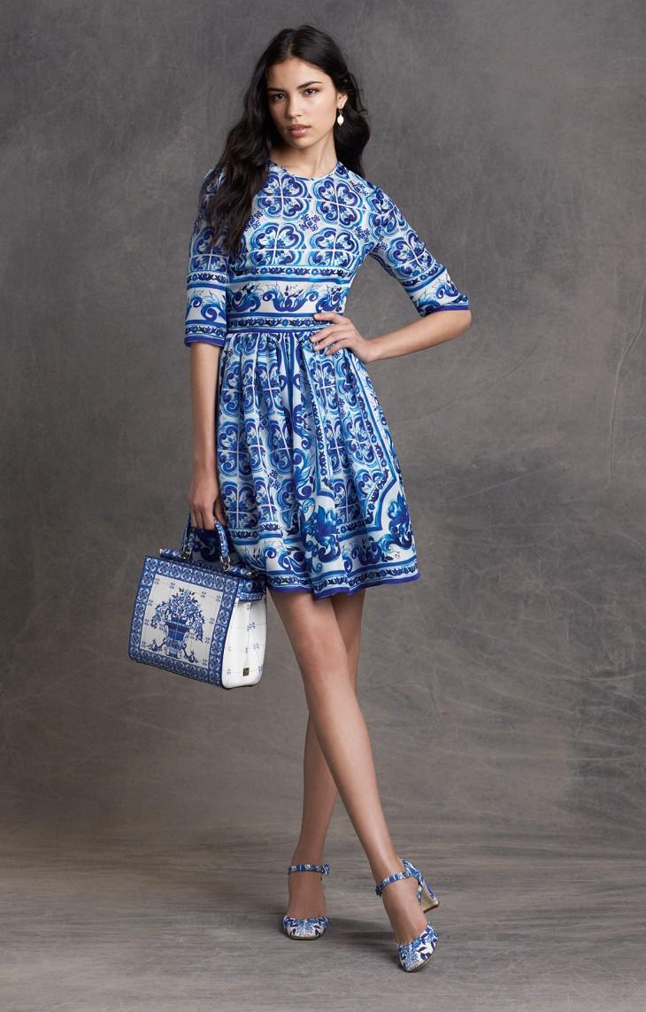 dolce-and-gabbana-fall-winter-2015-2015-womenwear-blu-maioliche-short-dress-5