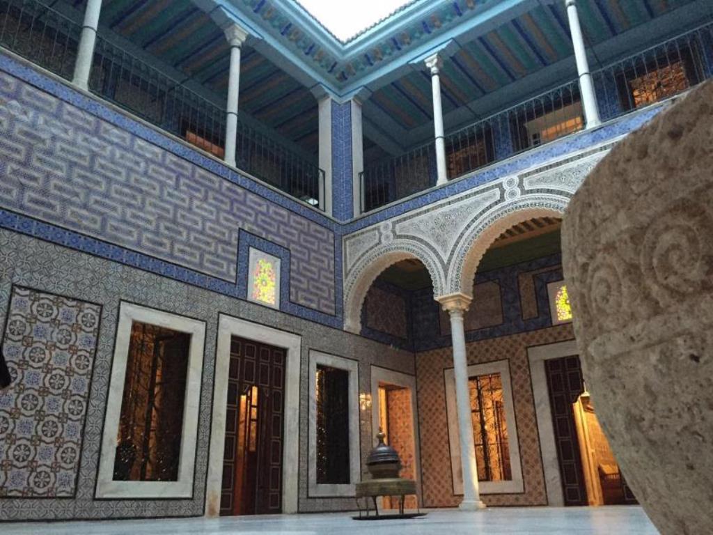 palais-bayrem-decoration-tunisienne