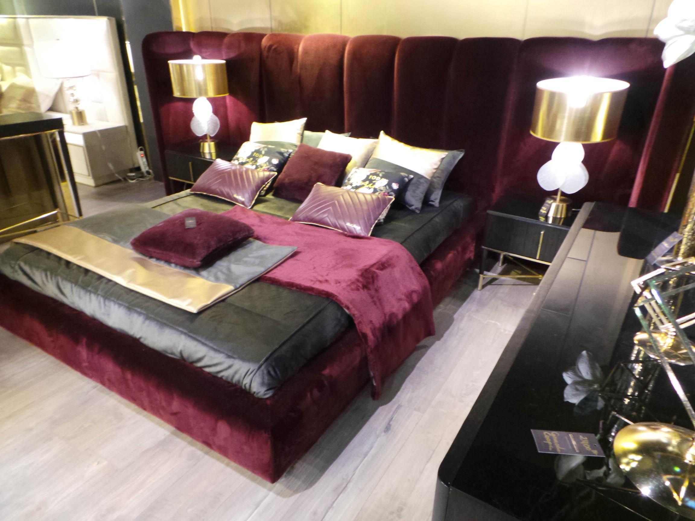 Salo-du-meuble-de-Tunis-chambre-a-coucher-edwards-velour