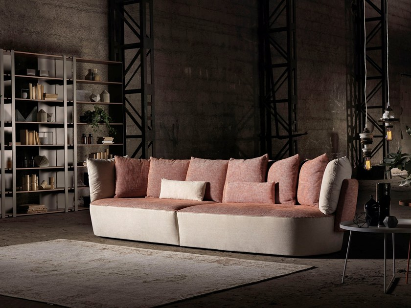 sofa moderne de la marque maxi divani au salon de meuble milan
