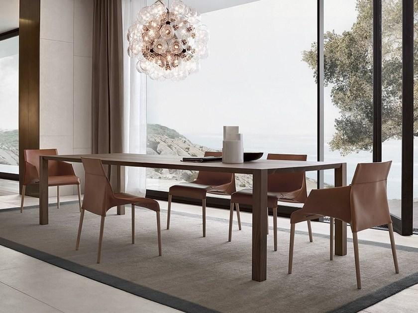 table a manger de la marque poliform au salon de meuble milan