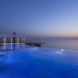 la-badira-piscine-design-hotel-en-tunisie