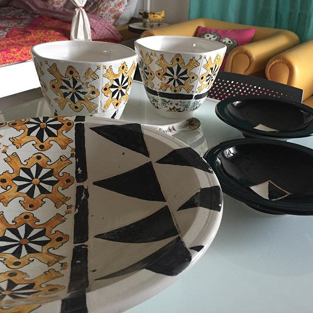 artisan-ceramiste-ina-atelier